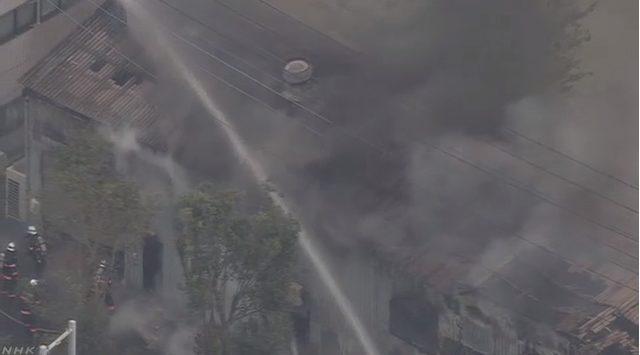 埼玉県三郷市彦成の工場で火災発生